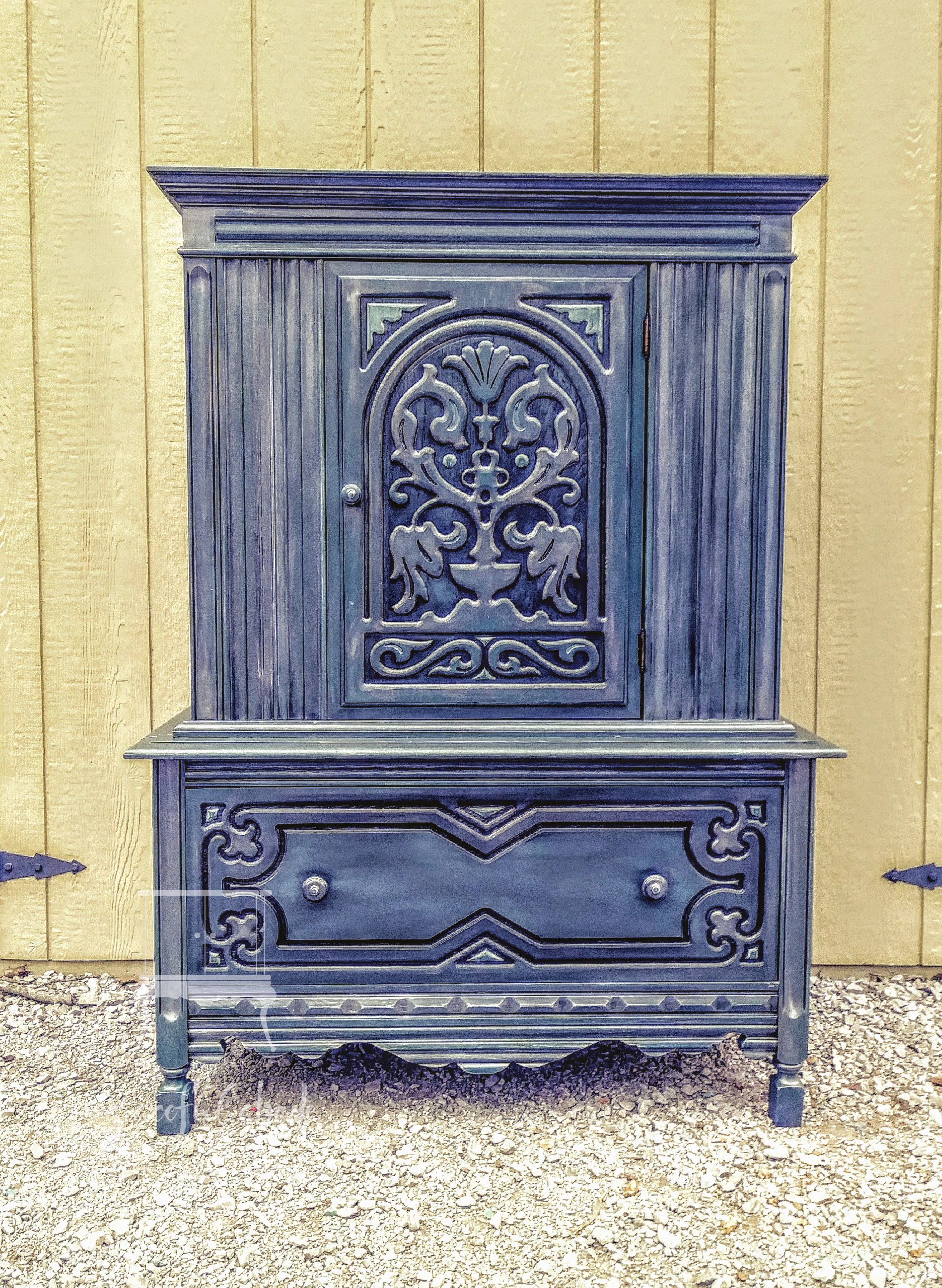 Vintage Jacobean Hutch!