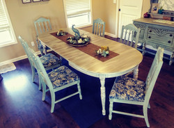 Distressed Broyhill Lakehouse Dining Set
