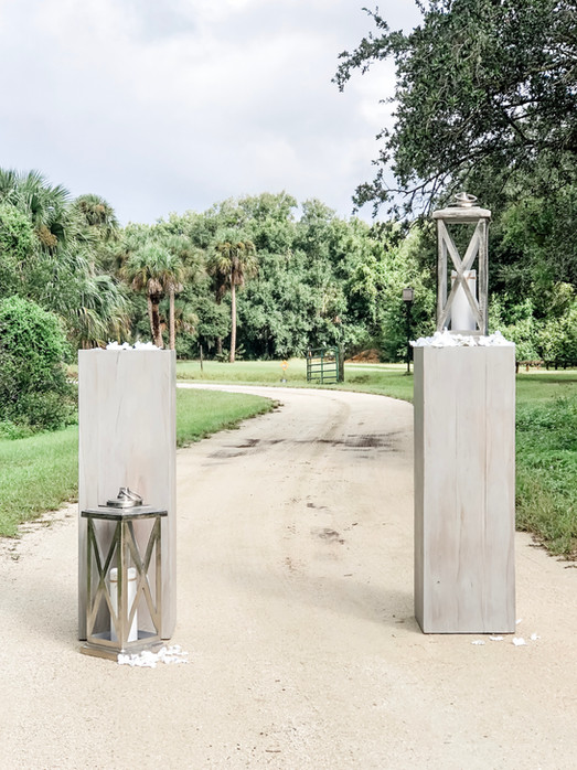 Gray Whitewash Pillar