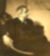 Rouben Melik assis de profil