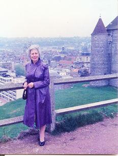Ella devant le chateau de Dieppe