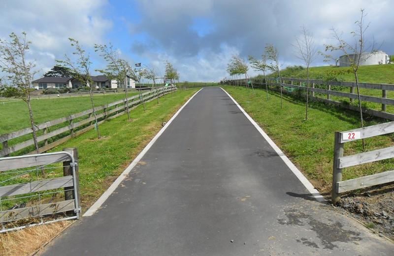 Vance-Winiata-Hotmix-driveway-resized.jp