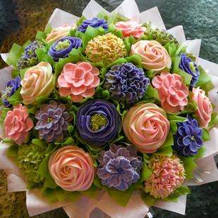 Spring Mix Cupcake Bouquet