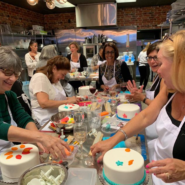 Vino & Cake Decorating Event
