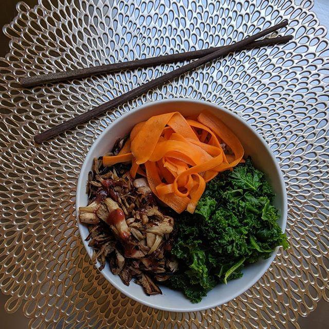 The Peking jackfruit bowl over brown ric