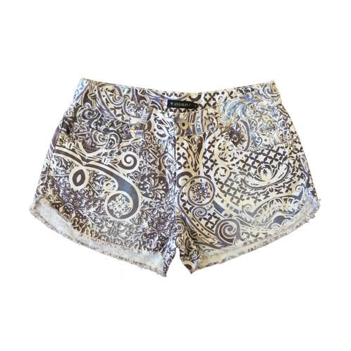 a87af50f2 Shorts Jeans Branco, Marrom e Azul Le Lis Blanc