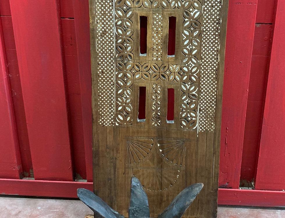 Porte-lampe en bois sculpté, Iles des Comores