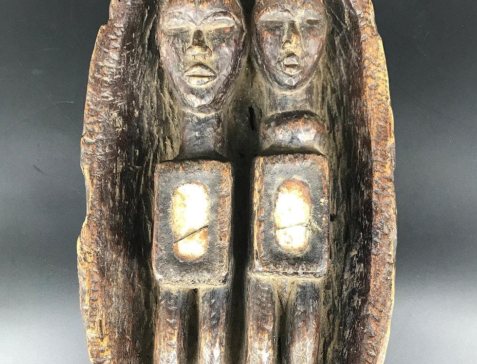 Rare FÉTICHE DOGON du MALI, avec un couple d'ancêtres dans une Barque