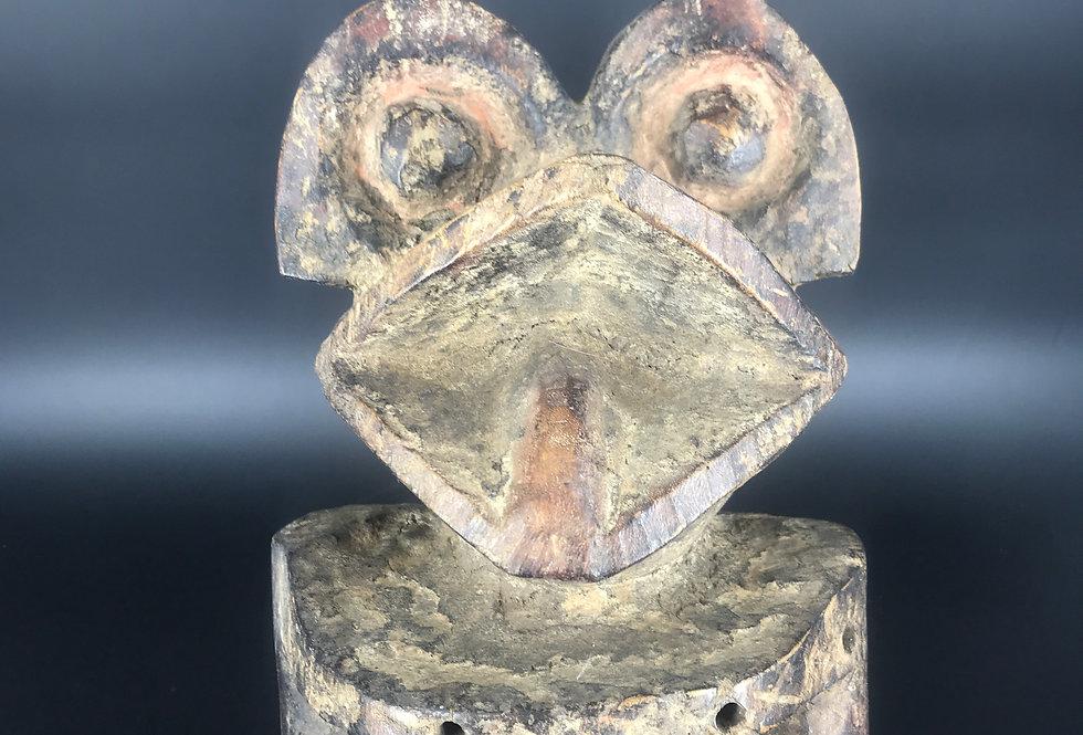 STATUE à tête de grenouille, MAMBILA, CAMEROUN