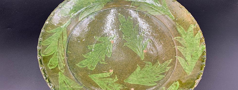 Pakistan Multan, Ancien Plat en Terre-cuite vernissée à décor floral brun