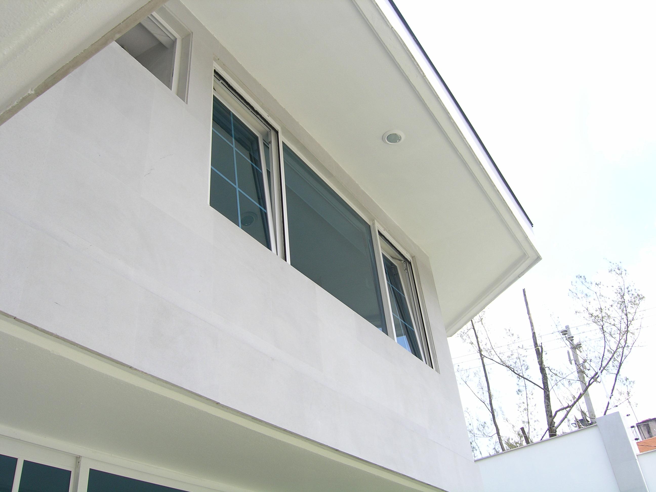 Ventana oscilo batiente PVC