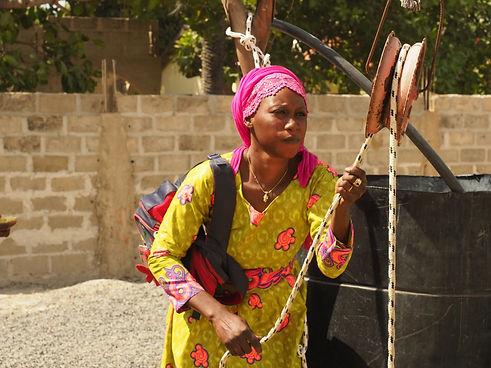 Kvinnene_ved_brønnen_-_livsnerven_i_Afri
