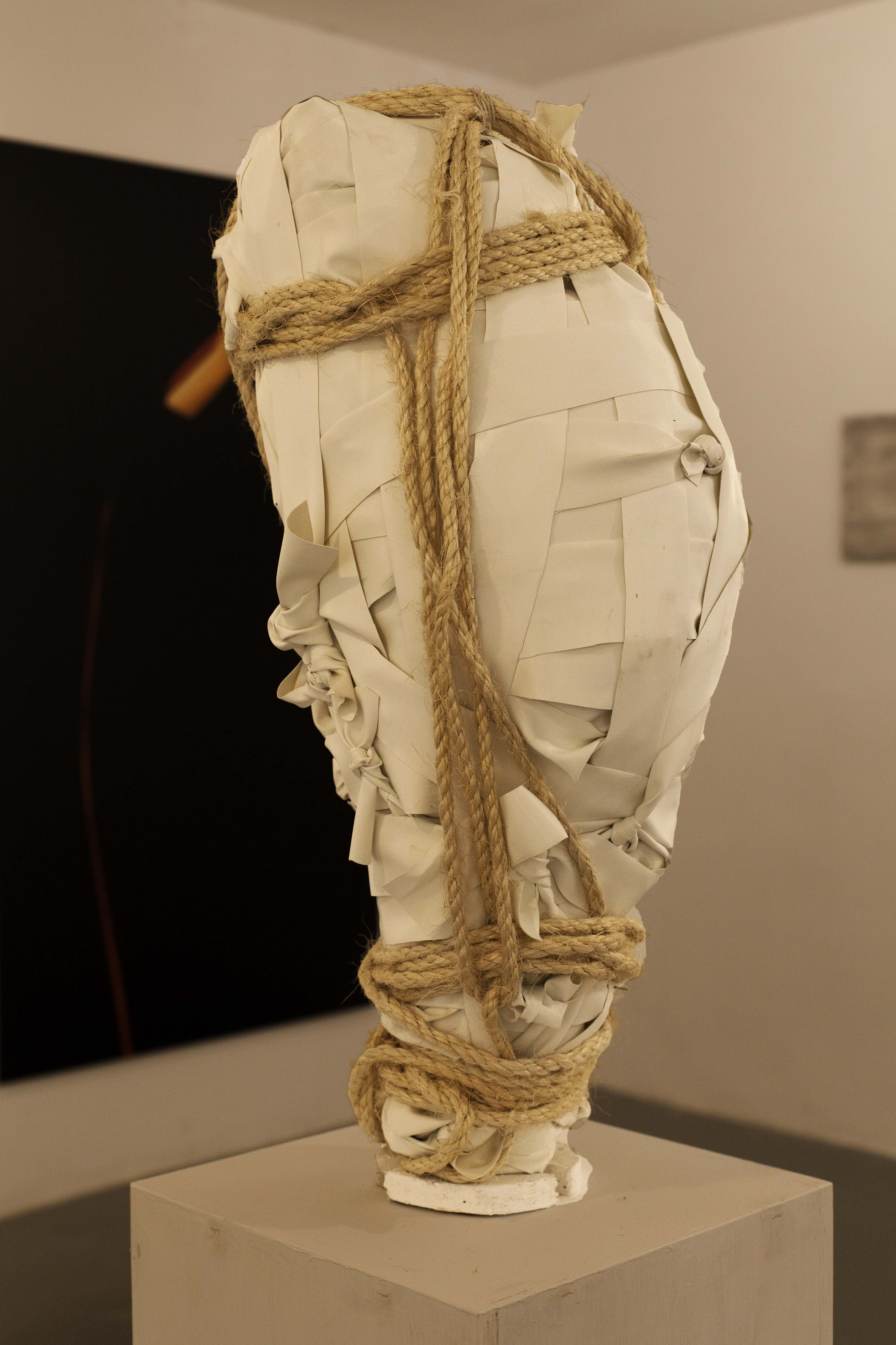 'wrapped' number 1, 2020 73x33x30 cm', f