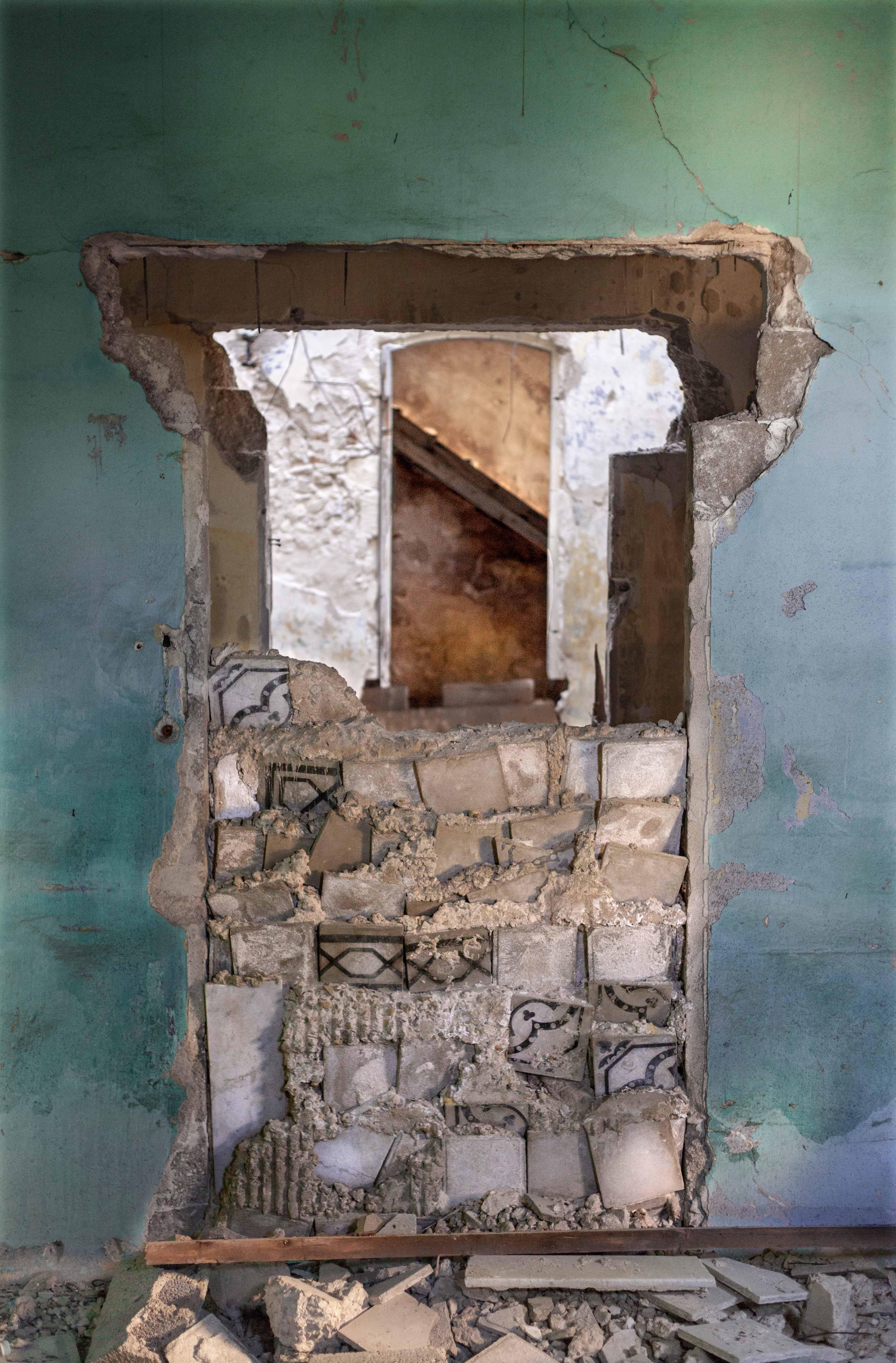 Door, 2016, 60x40 cm', print on archival