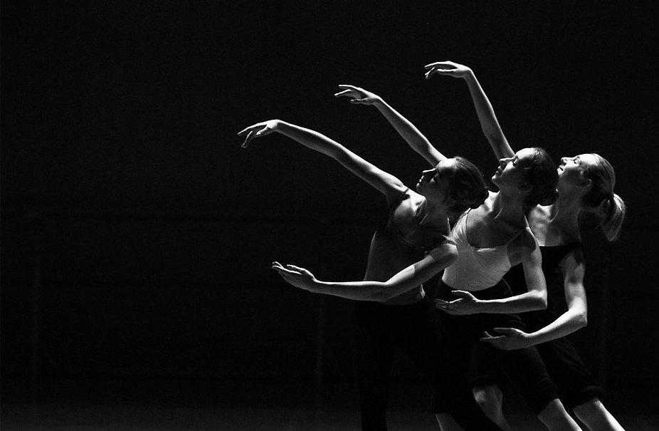dance-1030x673.jpg