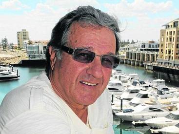 Micks' Winch Famous Fisho - Caj Amadio
