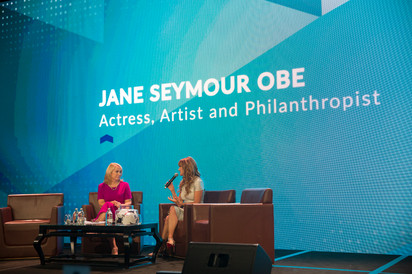 Jane Seymour OBE  Actress, Artist and Philanthropist. Jane Seymour & Dame Therese Walsh share funny stories & life stories. Lots of laughs and smiles in the room #boldsteps2018 #wordsforthesoul #inspirational