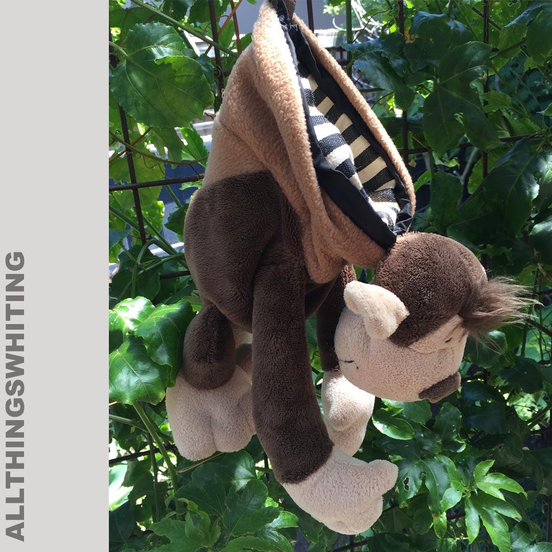 Climbing monkey chalkbag