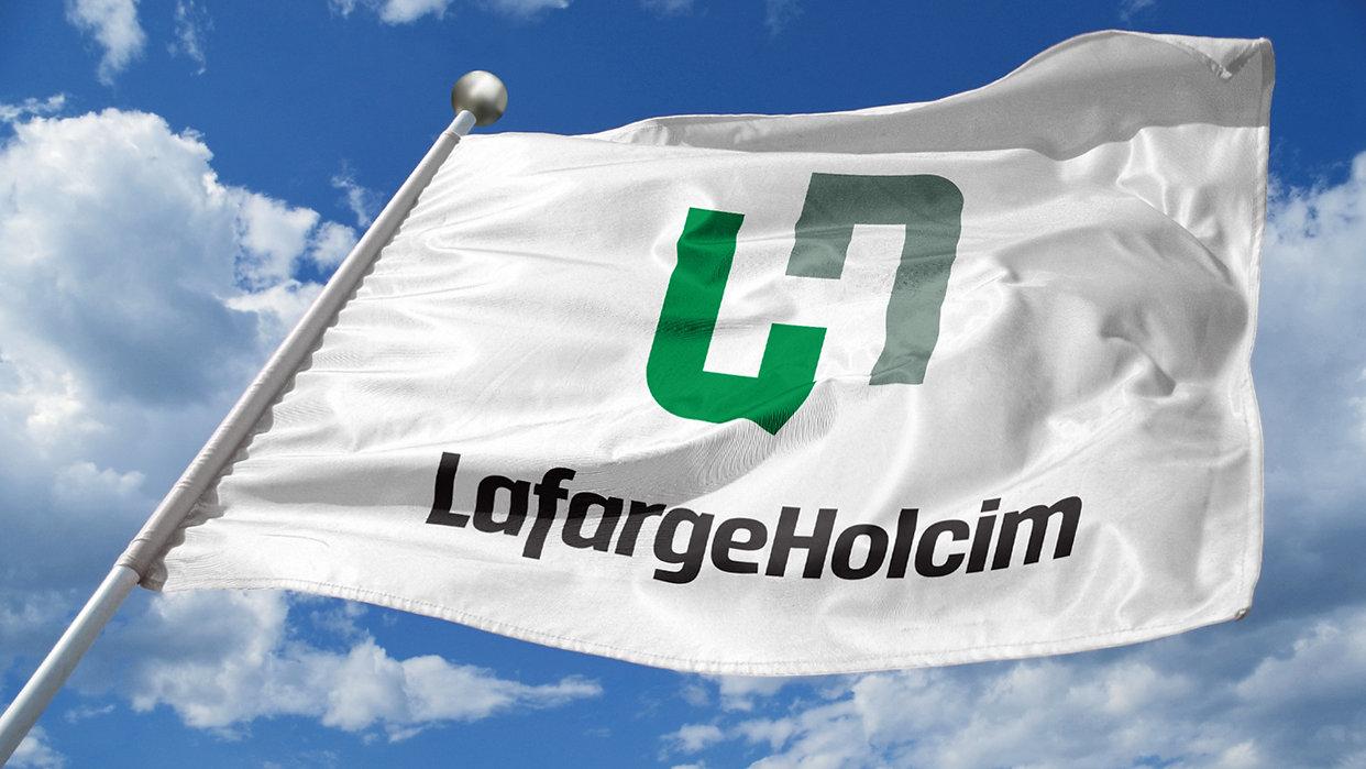 Roberge_LafargeHolcim Flag.jpg