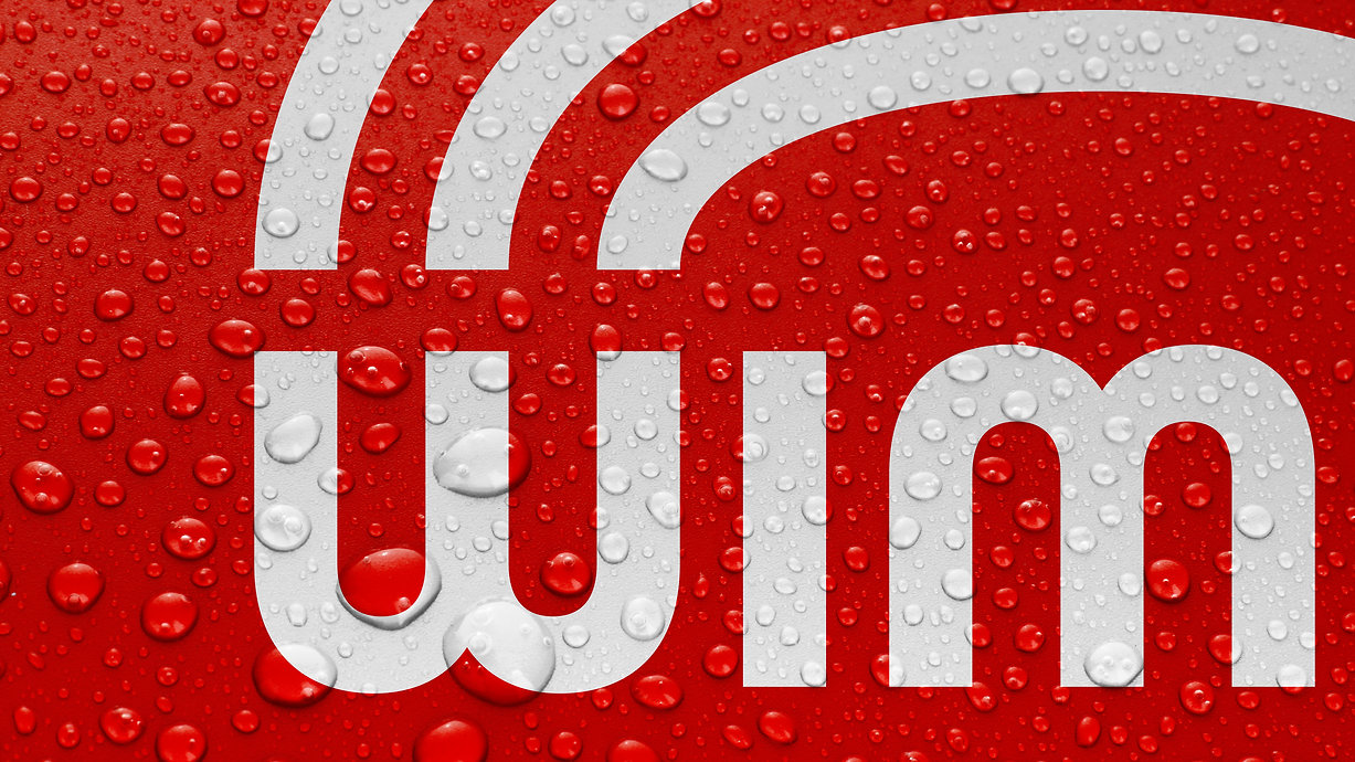 Wimpy Restaurant_Close Up on dropplets covered logo
