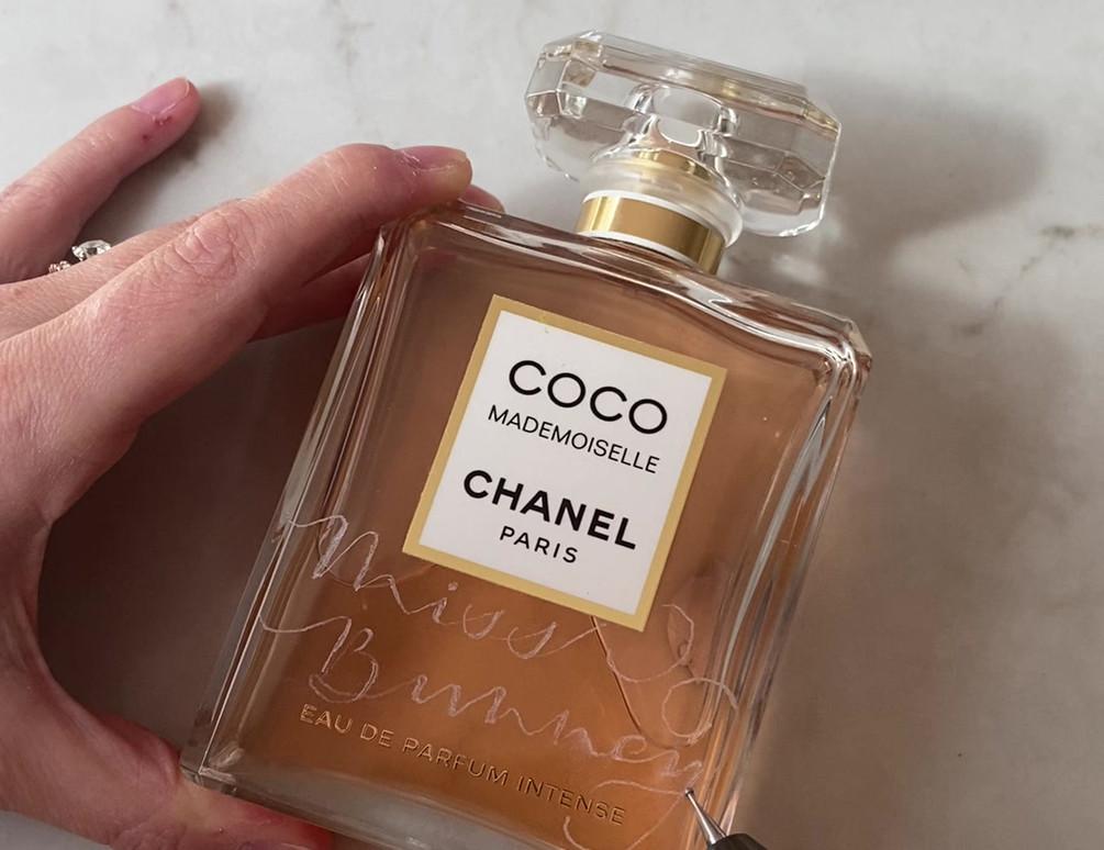 Chanel_perfume_engraving.MOV