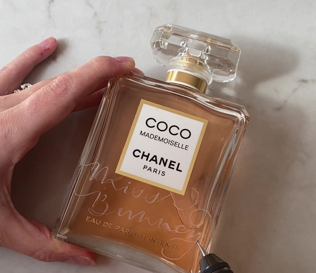 Chanel_perfume_engraving.MOV