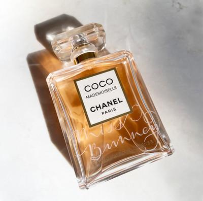 Chanel_perfume_engraving_calligraphy.jpg