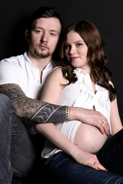 Брутальный папа и нежная мама. Фотосессия беременности в фотозоне Сцена Лофт