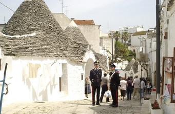 Prevenzione e controllo dell'arma dei Carabinieri ad Alberobello