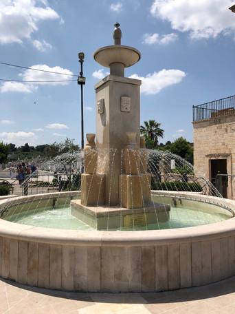 Riattivata la fontana di piazza G. Girolamo