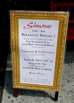 simone_sign_3