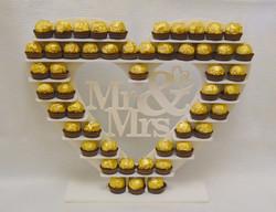 small heart Ferrero stand