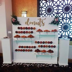 XL donut wall