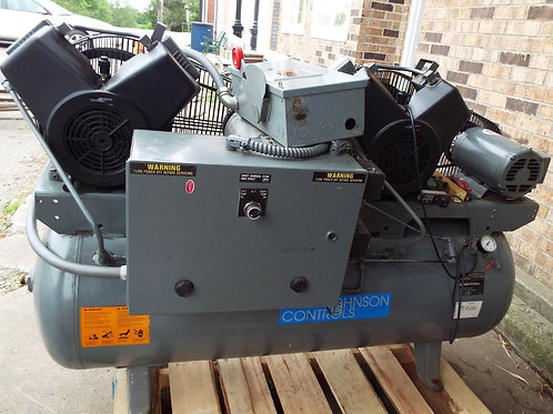 USED JOHNSON CONTROLS AD-030-3C2 PUREFLOW DUAL AIR COMPRESSOR 3HP, 850 RPM