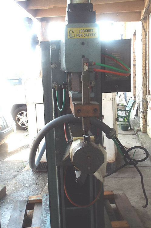 1 USED H & H PRESS TYPE RESISTANCE WELDER 120 KVA
