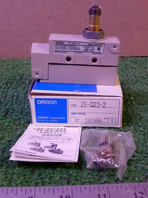 NEW OMRON ZE-Q22-2 ROLLER LIMIT SWITCH