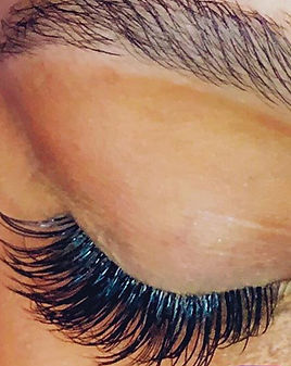 Are your lashes weekend ready_! 🤔💕💕#l