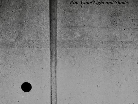 「Light and Shade」ストリーミング配信も開始です。