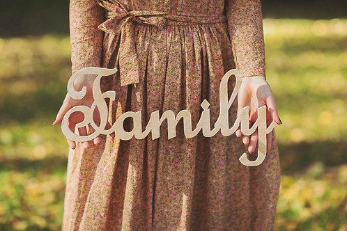 """Фото слово """"Family"""""""