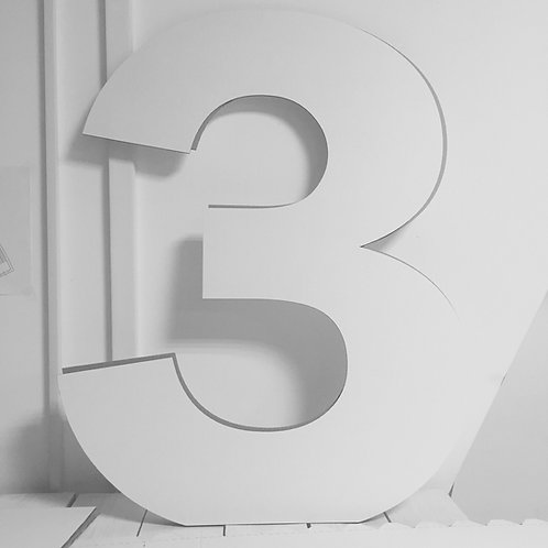"Объемные цифры ""Три"""