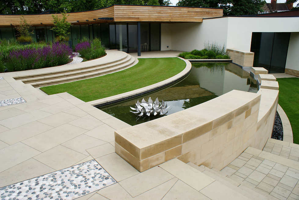 Contemporary roof garden, Harrogate, Jame Bond, water wall and sculpture