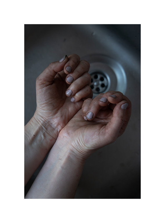 MUD HANDS