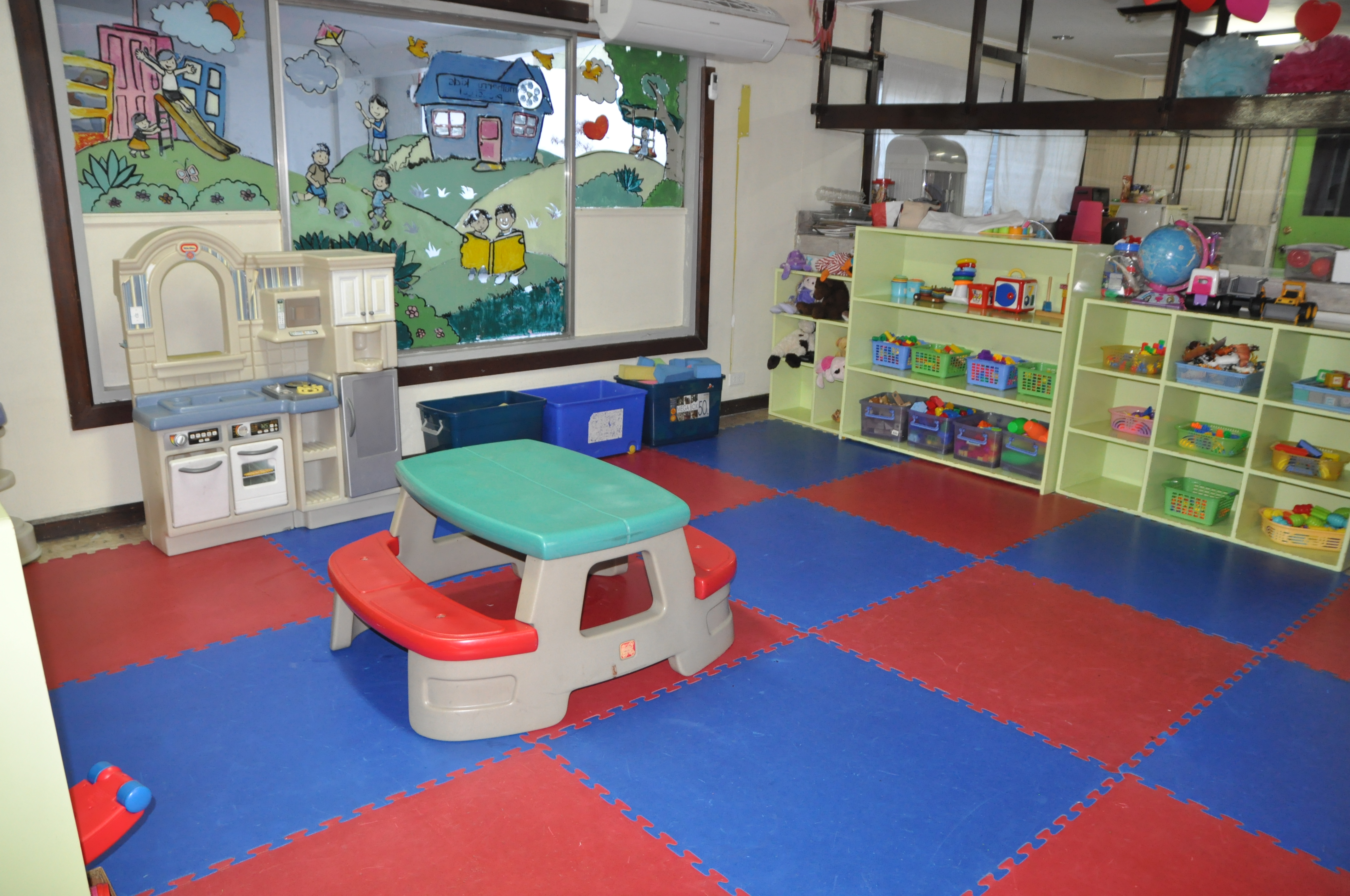 Mulberry Kids Indoor Play Area