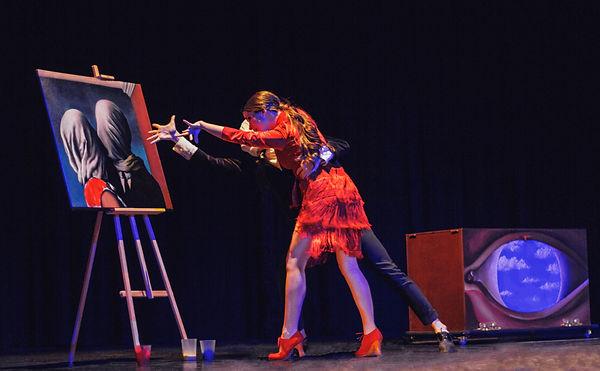 Diego Andújar y Raquel bailando