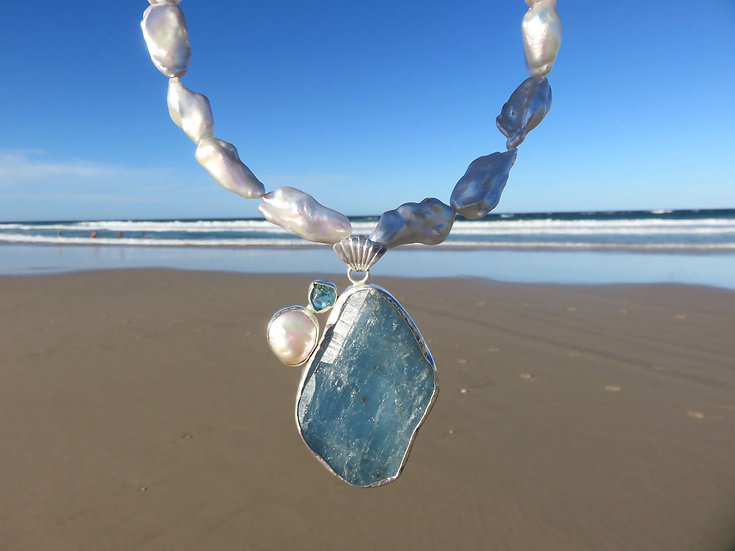 THE OCEAN GODDESS NECKLACE