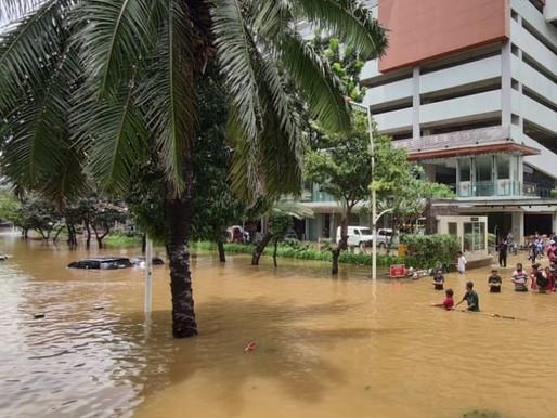 Banjir Jakarta Buat Kawasan Elite Kemang Berubah Bak Sungai Kumuh