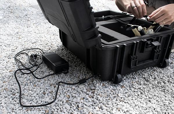 drotek-light-show-drone-box-3-img.png