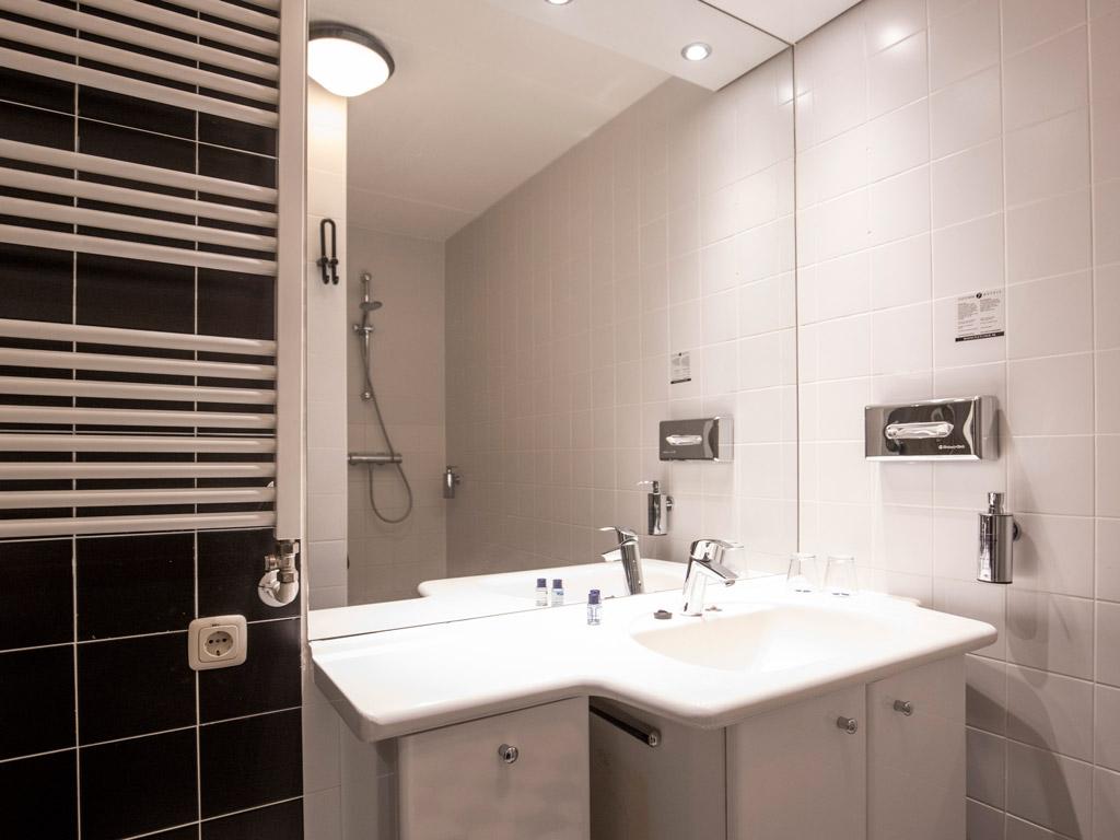 Hotel Veluwe badkamer