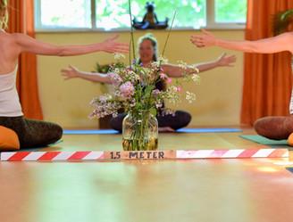 yoga 1,5 meter.jpeg