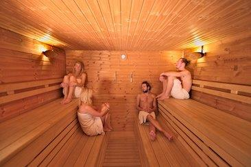 Sauna yoga weekend